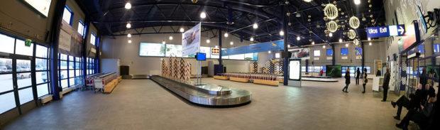 Hall d'arrivée, aéroport de Kittila