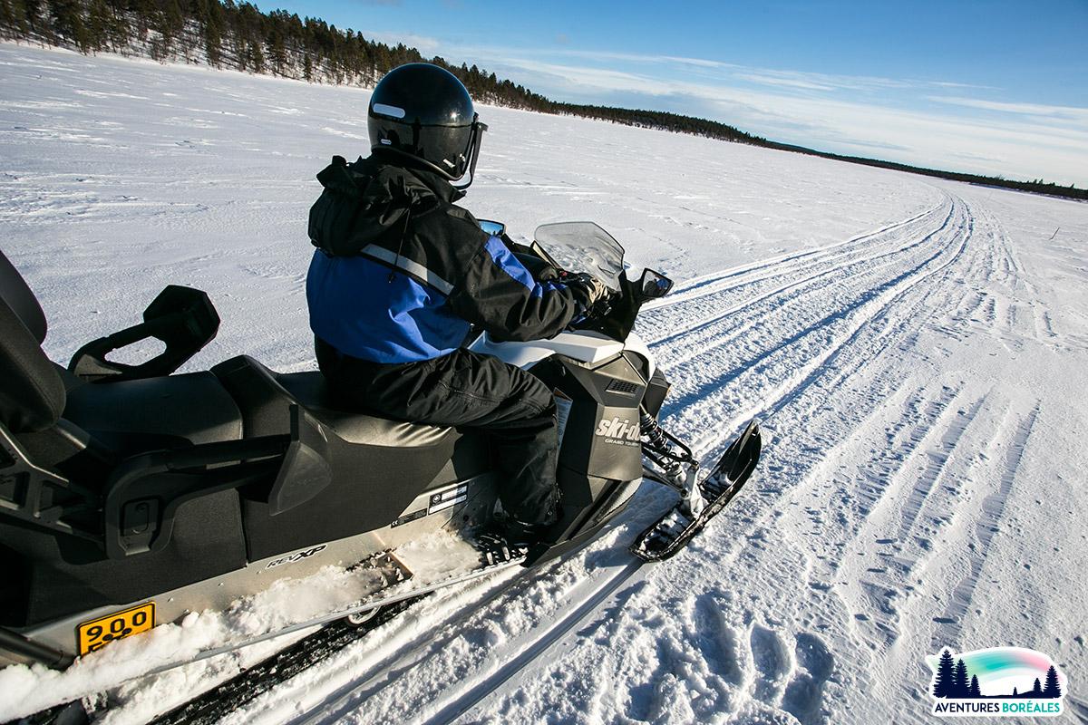 Balade motoneige en Laponie